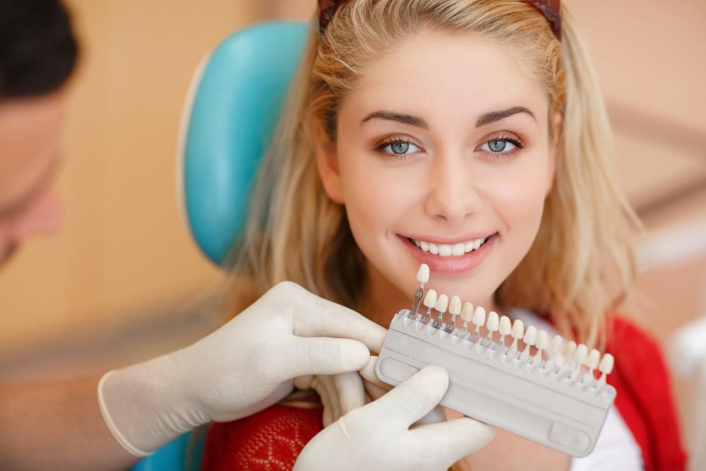 le blanchiment des dents centre dentaire adoncour dentistes longueuil. Black Bedroom Furniture Sets. Home Design Ideas